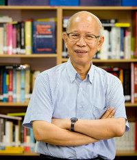 ศาสตราจารย์ ดร.เจตนา  นาควัชระ